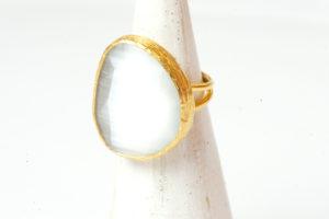 Bague Bronze Plaqué or - Pâte de verre Blanche